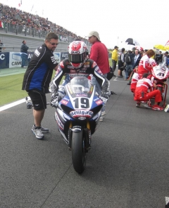 Coming to grid race 1